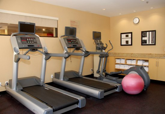 TownePlace Suites Bethlehem Easton: Fitness Center
