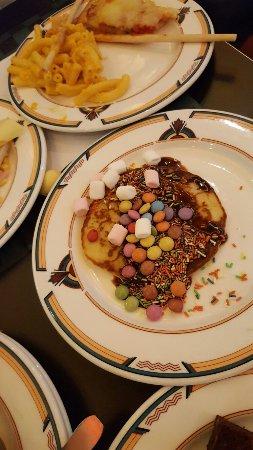 Parkside Diner: Mmmm yummy desserts