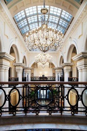 Waldorf Astoria Shanghai on the Bund: Waldorf Astoria Club Atrium