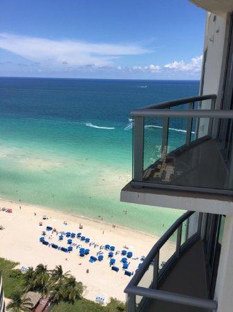 Sunny Isles Beach, FL: Vistas desde el departamento.
