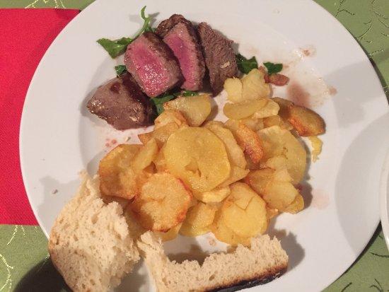 Zminj, Croacia: Ombolo, beefsteak et beef back