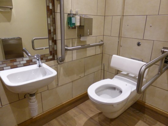 Aldridge, UK: Downstairs disabled toilet