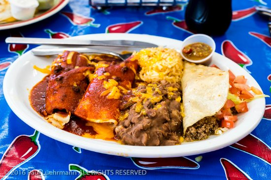 Cuba, NM: Chaco Grill - Mexican combination plate