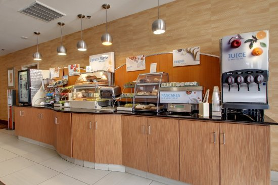 Winona, MS: Breakfast Bar