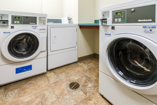 Comfort Suites Gothenburg: Laundry