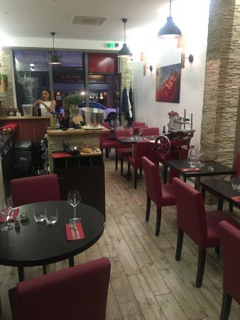 Robe rouge restaurant