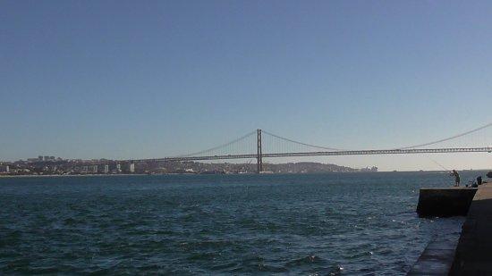 Porto Brandao, Португалия: Порто Брандао. Вид на мост 25Апреля