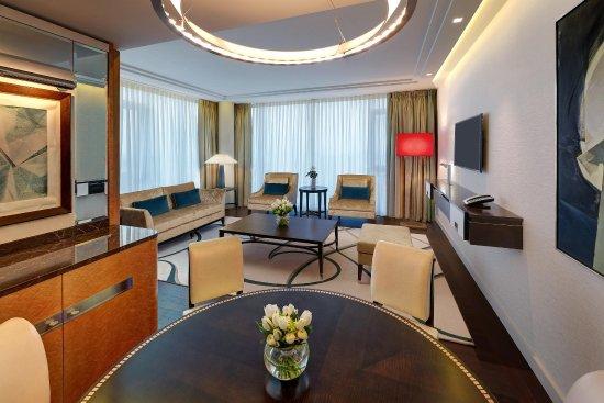 Waldorf Astoria Berlin: Tower Suite Living Room