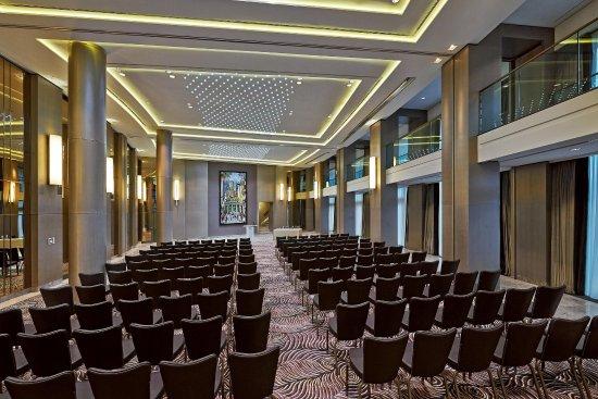 Waldorf Astoria Berlin: John-Jacob-Astor Ballroom - Meeting Set Up