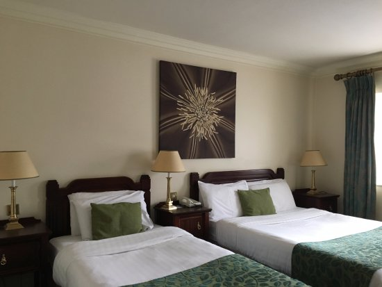 Castle Hotel and Leisure Centre: Comfortable Rooms