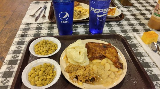 Shulers Barbecue: Dinner - bbq chicken, bbq pork, lima beans, mashed potatoes, butter beans & cornbread