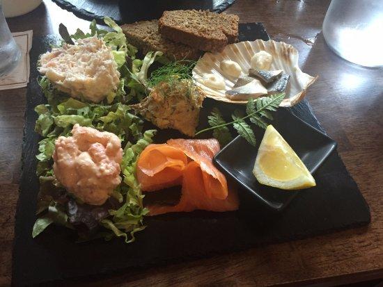 Dan Buckley's Bar : Wild Atlantic Seafood Slate, server cold.