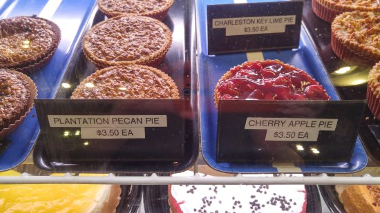 Shulers Barbecue: Desserts at the Bakery