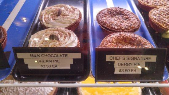 Latta, SC: Desserts at the Bakery