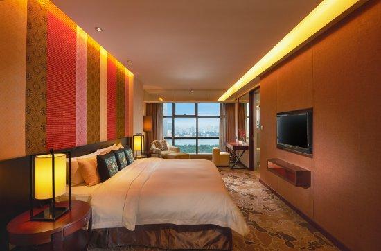 Лючжоу, Китай: Junior Suite