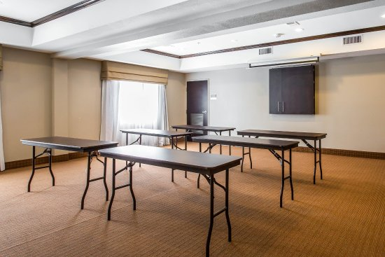 Sleep Inn And Suites Lubbock : Meeting room