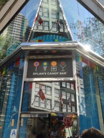 Dylan's Candy Bar: devanture