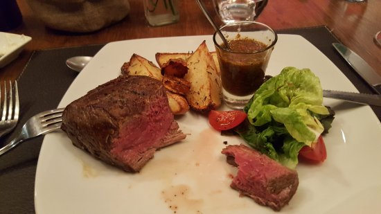 Lares Resto: Awesome meat!