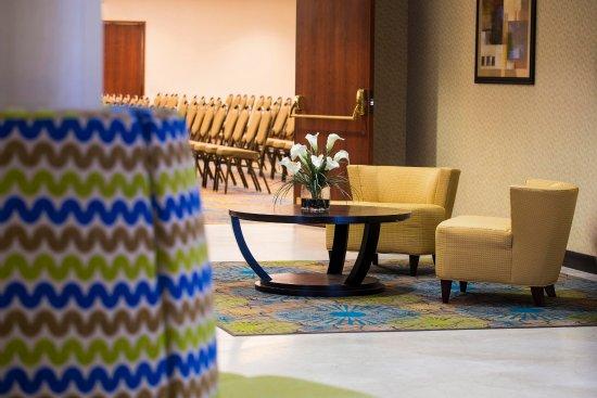 DoubleTree by Hilton Hotel Portland: Lobby