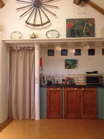 Bodfari, UK: lovely kitchen