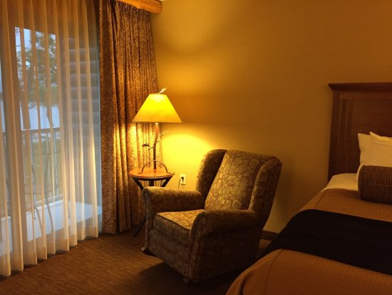 Detroit Lakes, MN: 2 queen room