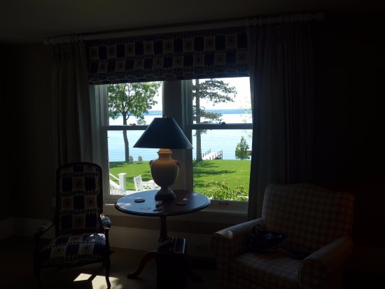 Aurora, État de New York : Lake Cayuga right outside our room