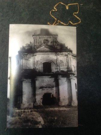 Старое фото в костёле (Kostel St. Michael and St. Dominica)