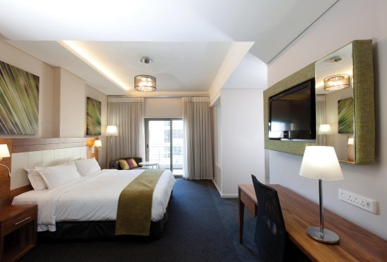 DoubleTree by Hilton Cape Town - Upper Eastside