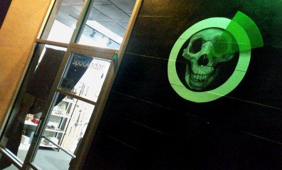 Modesto, Kalifornia: Spookadar Escape Room Oddities Exterior