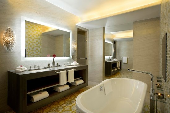 Hilton Capital Grand Abu Dhabi: Grand Royal Suite