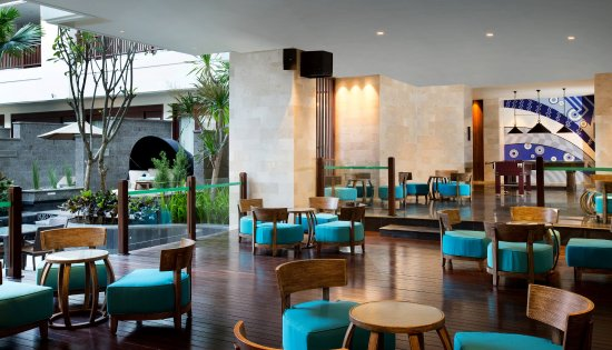 Peninsula Beach Resort Tanjung Benoa: Duke's Bar and Lounge