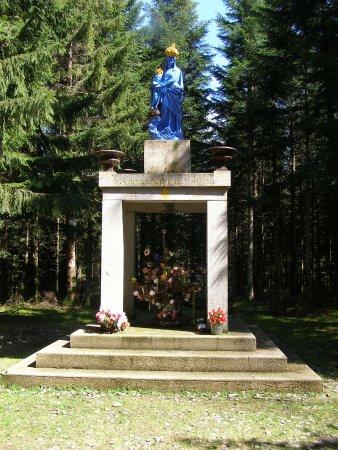 Corcieux, فرنسا: La vierge bleue de Henefête les Forfelets reconnaissant
