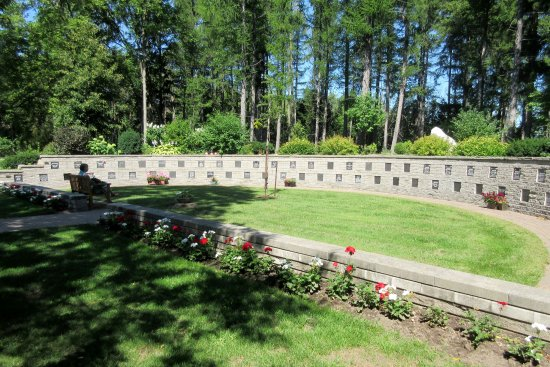 Puslinch, Canada: The Cemetery - Memory-Park