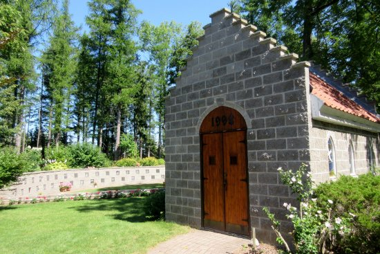 Puslinch, Canada: The Cemetery - Memory-Park