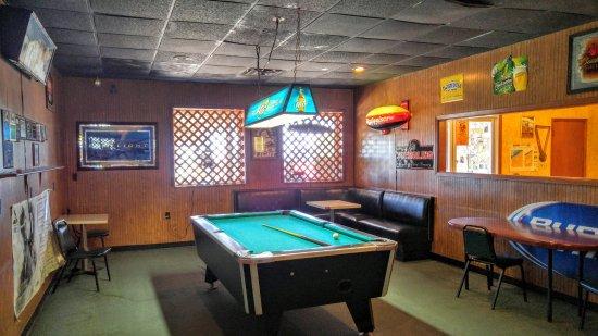 North East, Pensilvania: Pool room.
