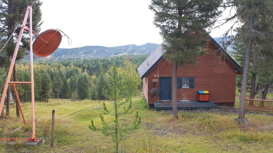 108 Mile Ranch, Canada : Typical chalet overlooking cariboo country, beside ski tow