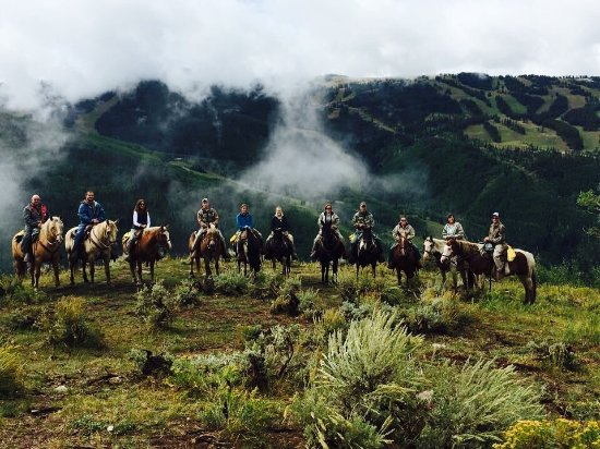 Vail Stables : Our group of 11