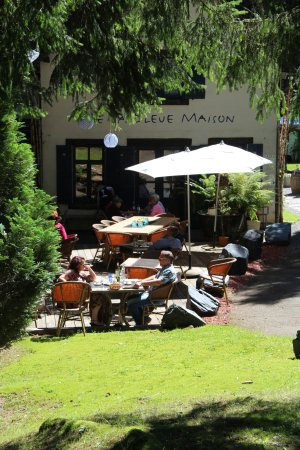 Habay-la-Neuve, เบลเยียม: La terrasse (chemin un peu trop pentu pour l'accès handicapés...