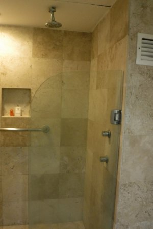 stand up shower - Picture of Krystal Cancun, Cancun - TripAdvisor