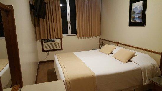 Mengo Palace Hotel: 20160907_221832_large.jpg