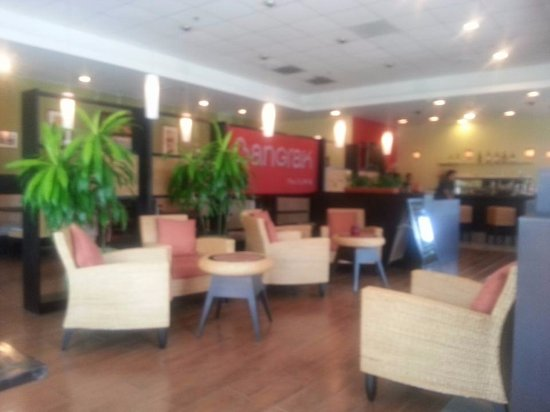 Bangrak Thai Cuisine: Dining room is the best feature.. Furniture tastier than the food
