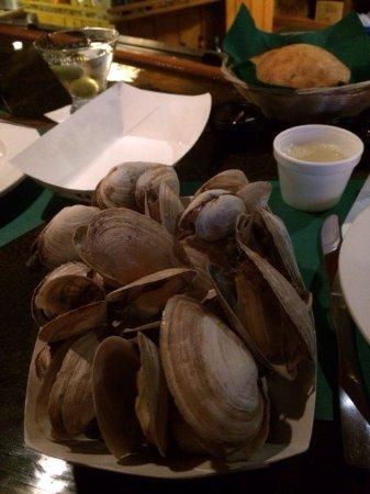 Ogunquit Lobster Pound Restaurant : Fresh Steamed Maine Clams--Large Portion