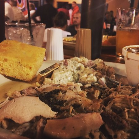 Ashtabula, OH: Combo BBQ of chicken and pulled pork!