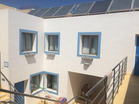 Hotel Paladini di Francia: ホテルは白を基調としたおしゃれな色彩。