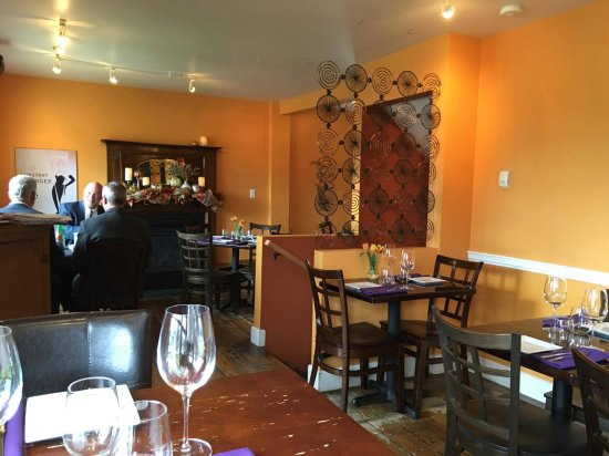 The Grape Tap : Dining Room