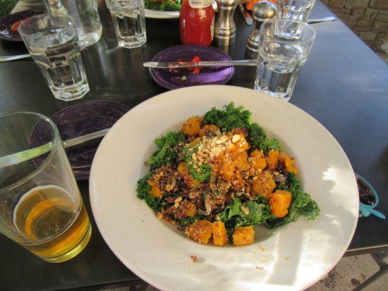 Sixth Street Bistro & Loft : kale and butternut squash with quinoa - AMAZING
