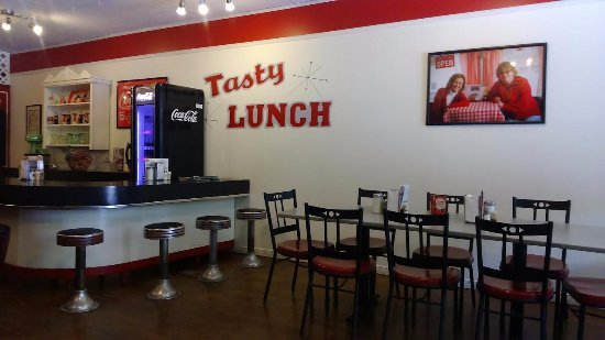 Tasty Lunch: The decor
