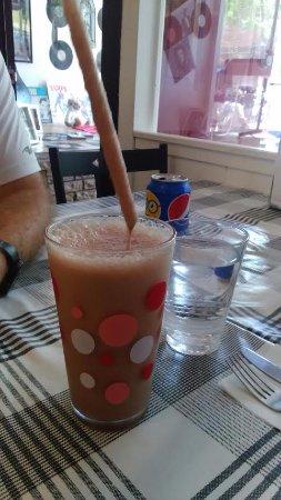 Tasty Lunch: Runny/not cold milkshake