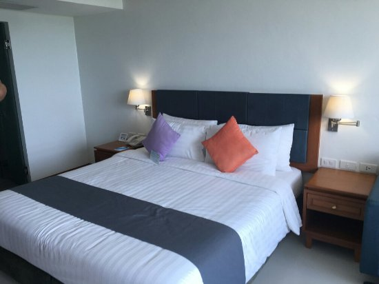 Andaman Beach Suites Hotel: IMG_4952_large.jpg