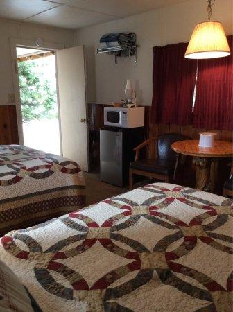 Pioneer Motel: photo3.jpg